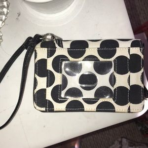 Thirty one wrist wallet